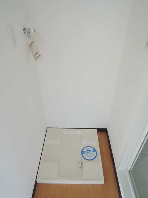 クレジデンス黒川 5階 洗濯機置場