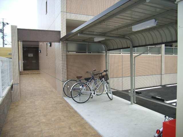 Sun State池花 2階 駐輪場