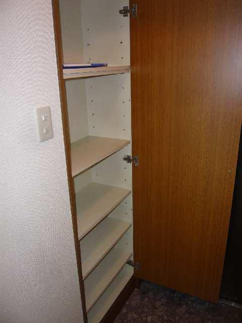 エスポワール名古屋 3階 シューズボックス