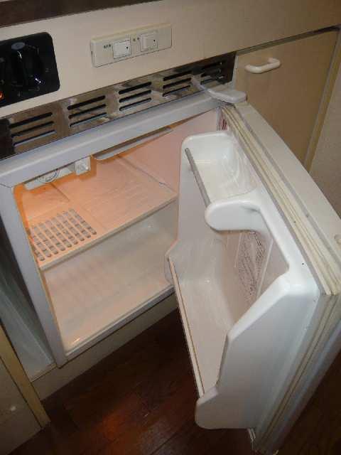 エスポワール名古屋 3階 ミニ冷蔵庫