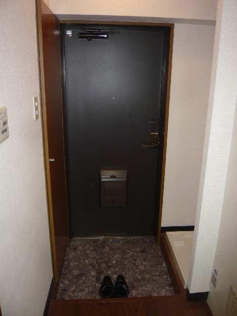 エスポワール名古屋 3階 玄関