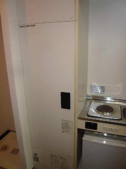 エスポワール名古屋 3階 電気温水器