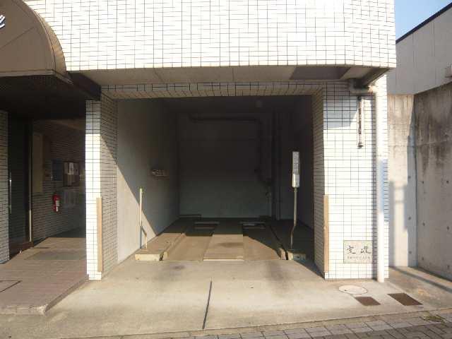 エスポワール名古屋 3階 駐車場