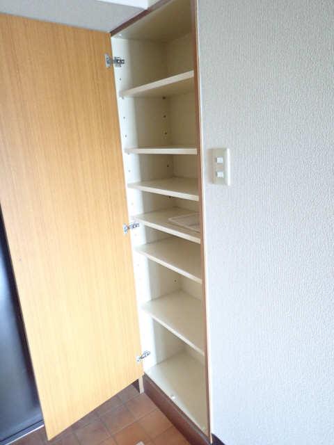 エスポワール名古屋 3階 シューズBOX