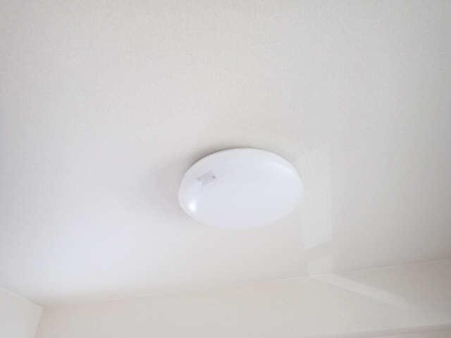 エスポワール名古屋 3階 室内照明