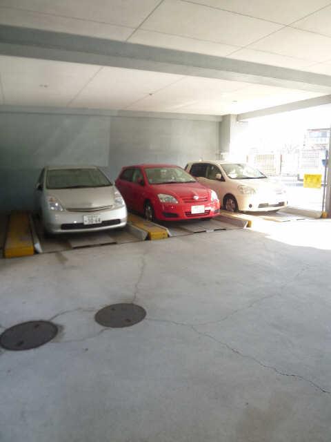メゾン黒川 7階 機械式駐車場