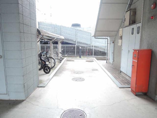 メゾン黒川 7階 駐車場