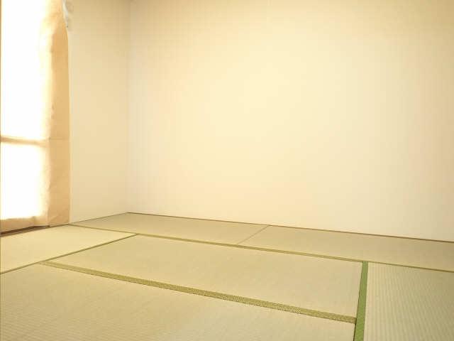 エントピア若鶴 1階 和室