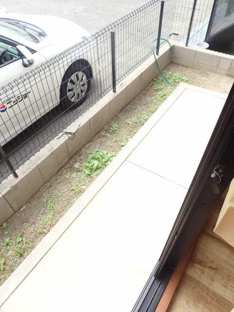 エントピア若鶴 1階 庭