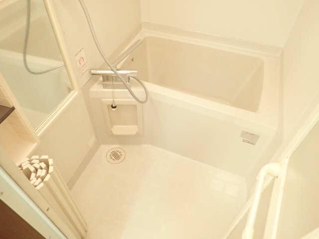 エントピア若鶴 1階 浴室