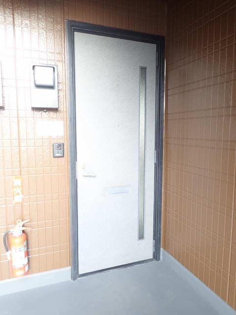 エントピア若鶴 1階 玄関