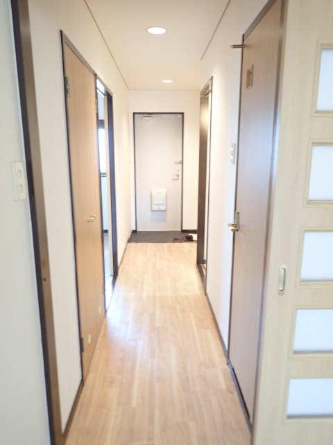 ベルメゾン 2階 廊下