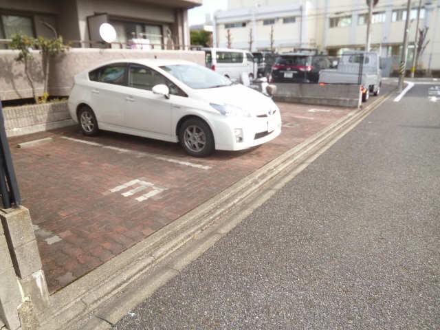 ハイム・リーラ 5階 駐車場
