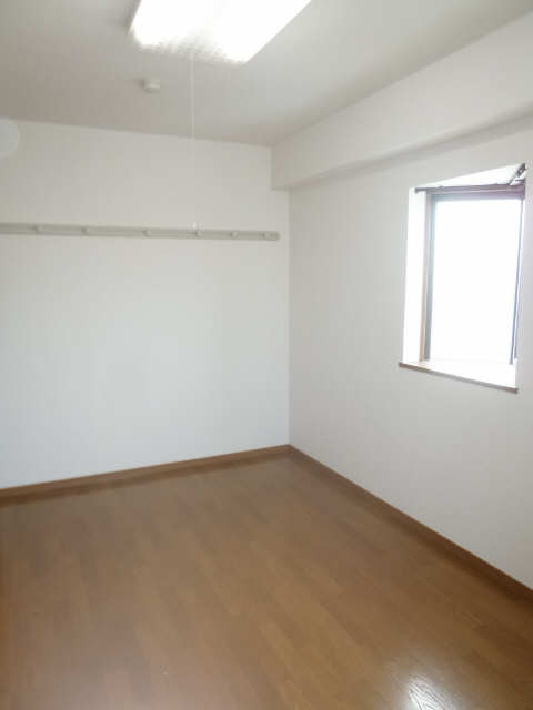ハイム・リーラ 5階 室内