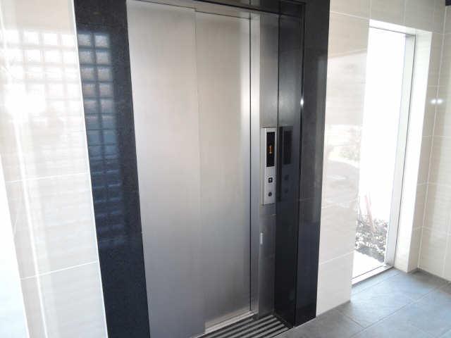 パルティール黒川 6階 エレベーター