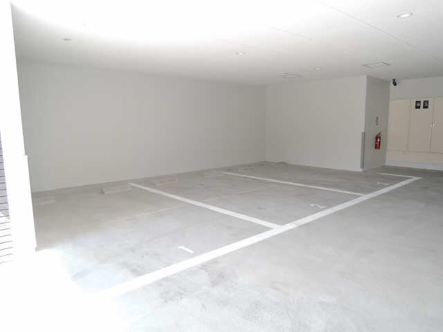 パルティール黒川 6階 駐車場