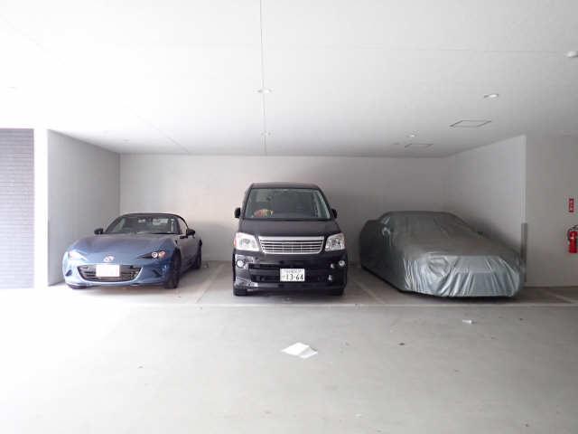 パルティール黒川 5階 駐車場