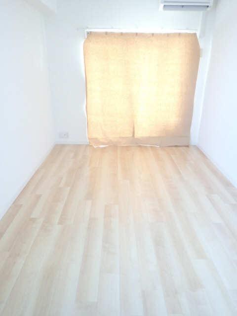 パルティール黒川 8階 室内