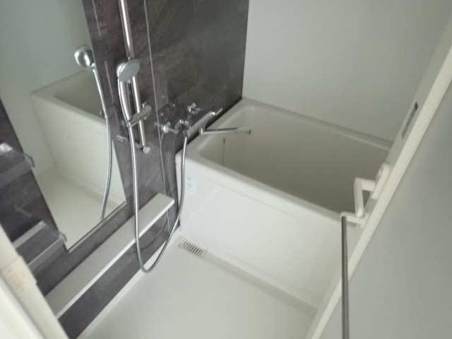 ドゥナーレ辻町 3階 浴室