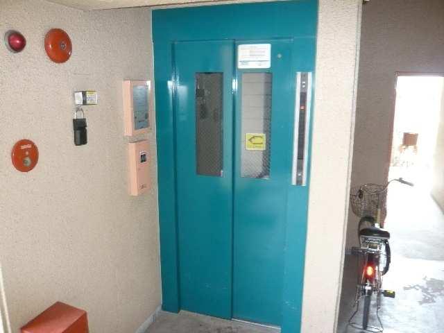 千早ハイリス 4階 エレベーター