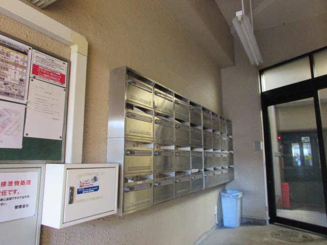 千早ハイリス 4階 メールボックス