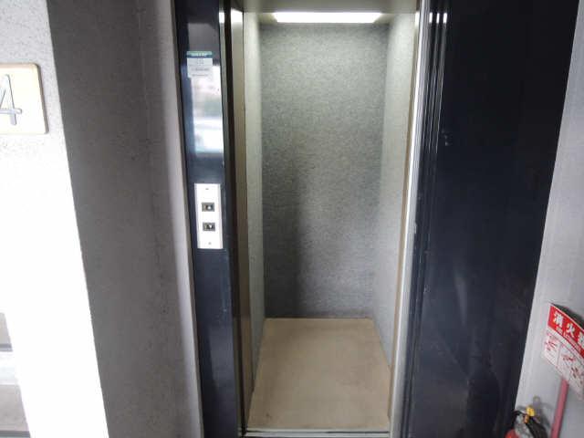 アート・イン 5階 エレベーター