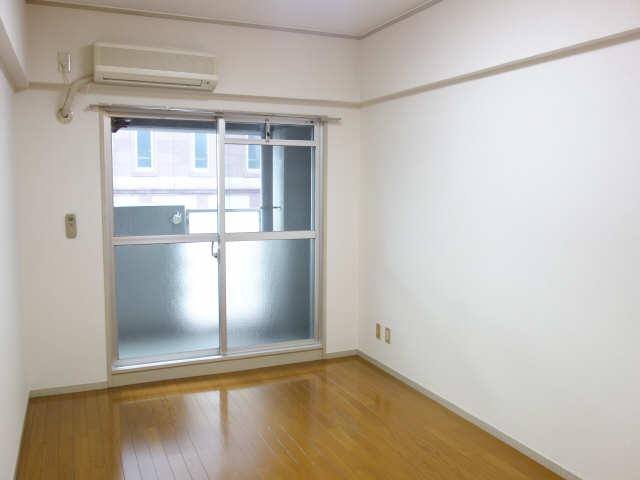 コモド・カサ・ミワ 6階 室内