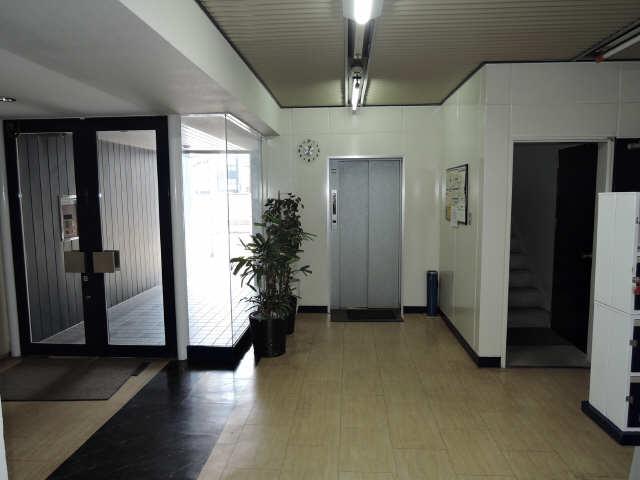 フィールド ヒルズ 2階 エレベーターホール