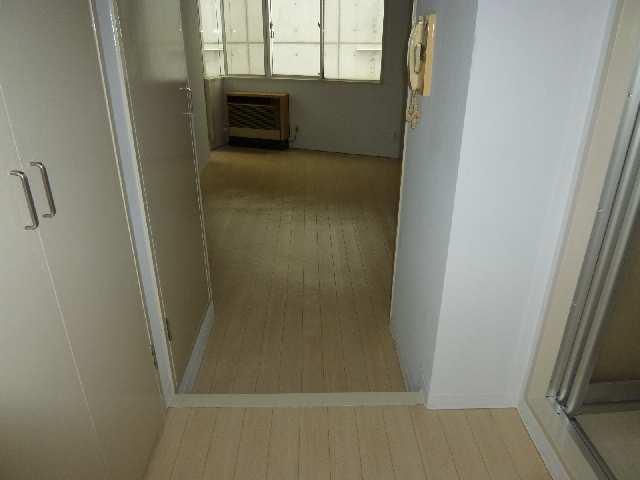 フィールド ヒルズ 2階 室内