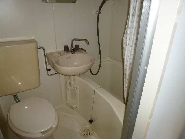 フィールド ヒルズ 2階 浴室