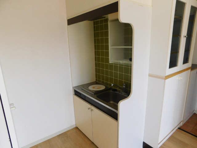メゾン ド セレブラル 8階 キッチン