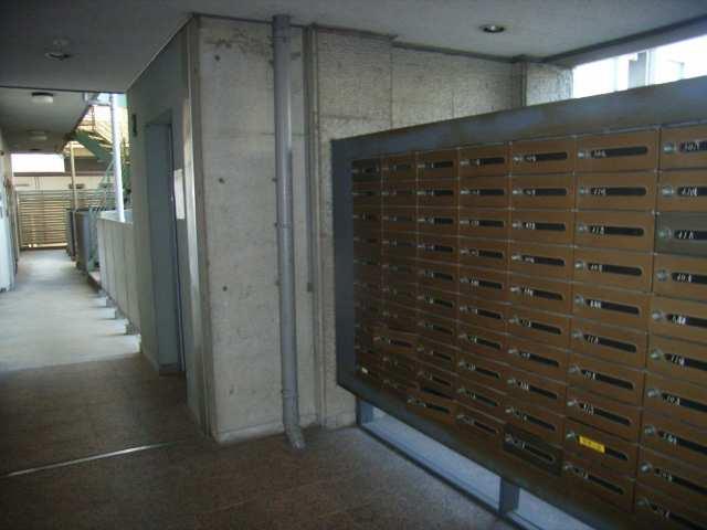 ノーサレンダー 2階 メールボックス