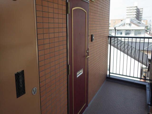 ドミールCHOSEI 4階 玄関ドア