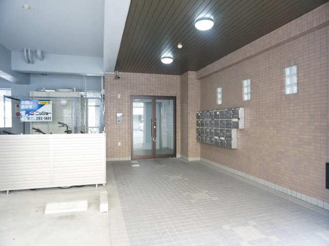 リバーサイド石川 2階 エントランス