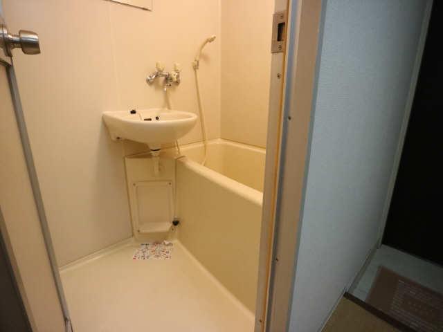 リバーサイド石川 2階 浴室