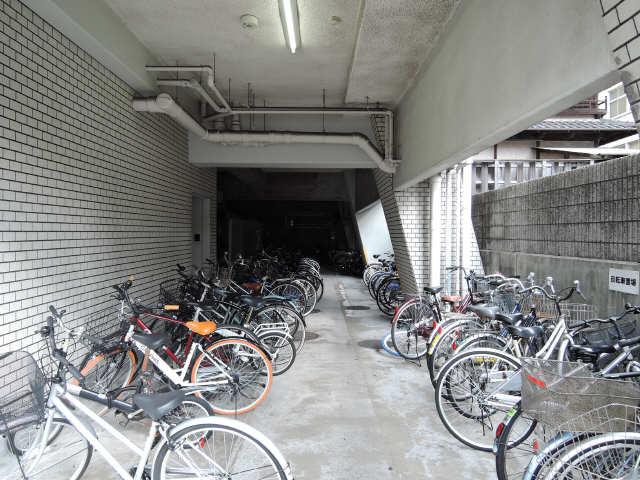 サンパーク丸の内(5~14F) 9階 自転車置場