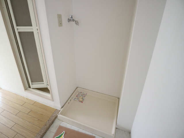 サンパーク丸の内(5~14F) 7階 洗濯機置場