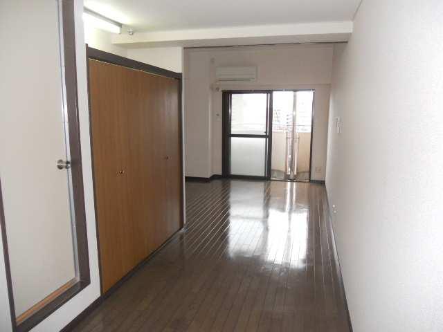 水主町ロイヤルハイツ 8階 室内