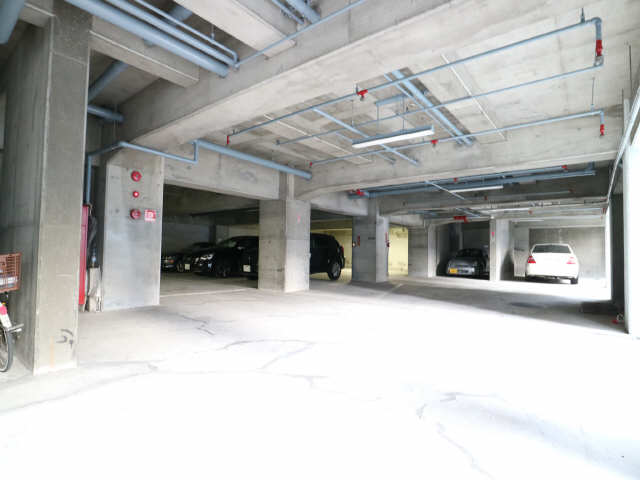 第3宮地マンション記念橋 6階 駐車場