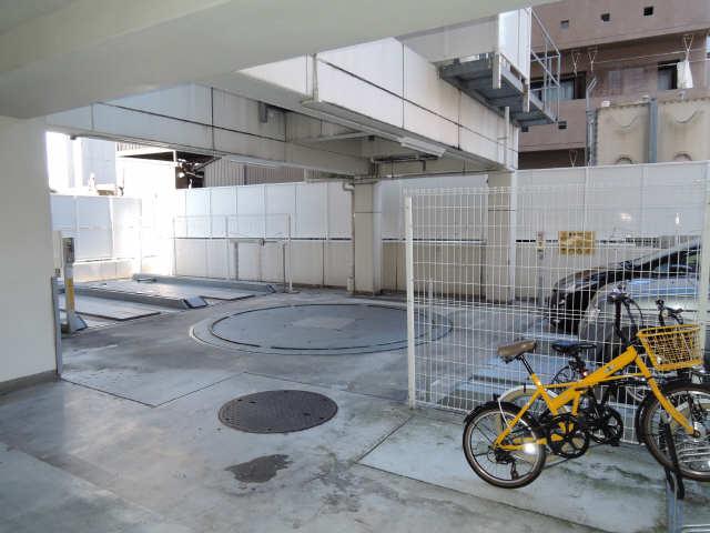ルーエ白川公園 11階 駐車場