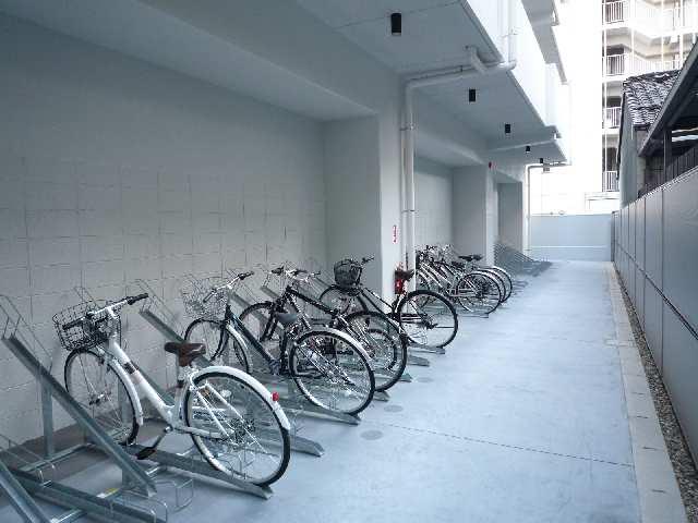 エスポアール泉 2階 駐輪場