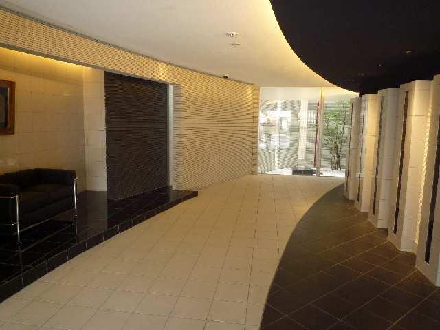 アモン リオ ブランシュ 4階 エントランス