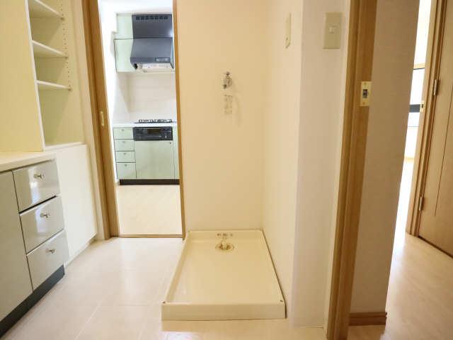 グランドメゾン鶴舞公園 3階 洗濯機置場