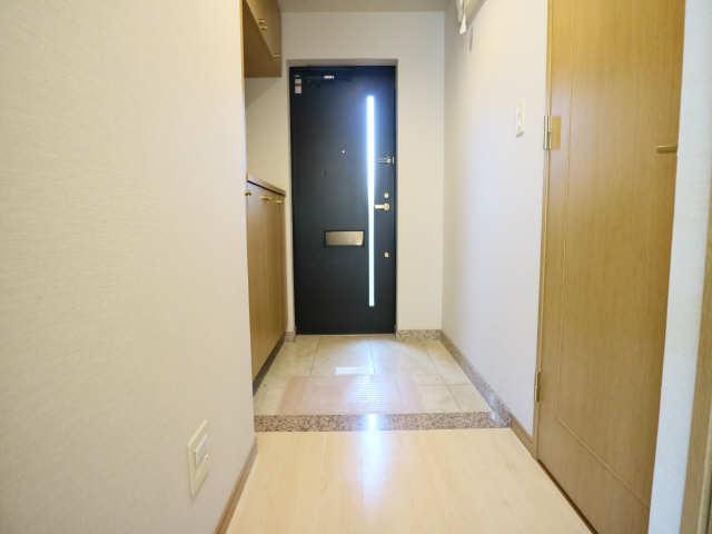 グランドメゾン鶴舞公園 3階 玄関