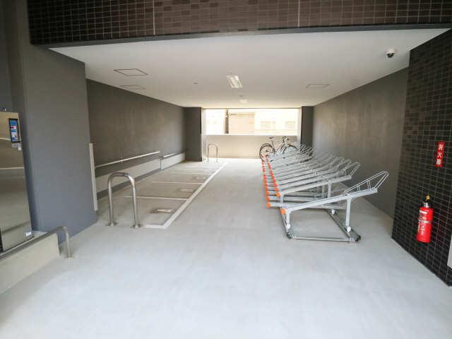 プレサンス上前津プレス 8階 駐輪場