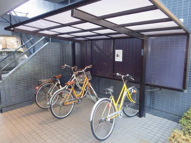 イナバホームズ 3階 駐輪場