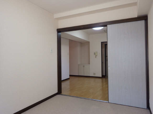 イナバホームズ 3階 室内