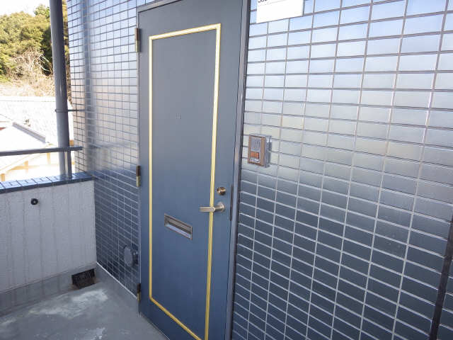 イナバホームズ 3階 玄関