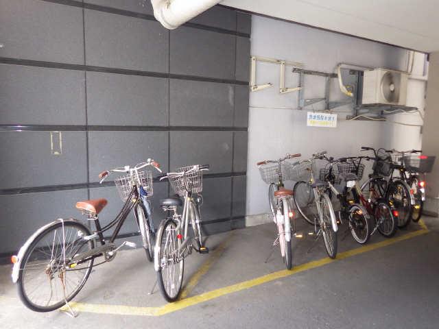 イーストアサノ 5階 駐輪場