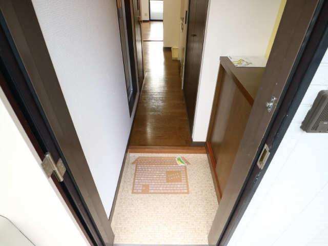 オーチャード・コート 2階 玄関